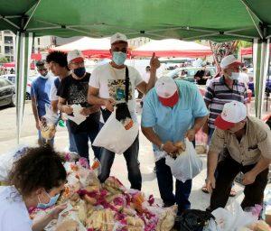 الاتحاد الوطني في خيمة المساعدات التي انشأت للمتضررين من جراء الانفجار